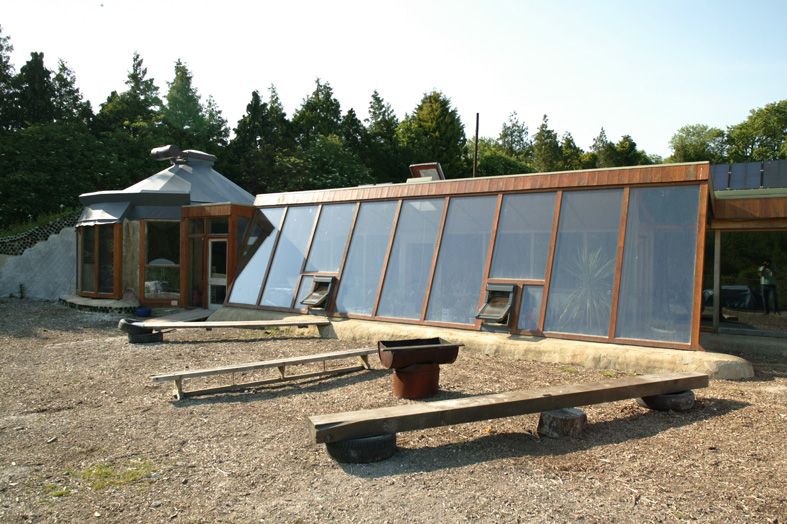 Earthship: Open Eco House